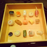 豆皿料理と手鞠寿司