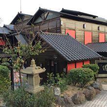日本旅館のような佇まいですね