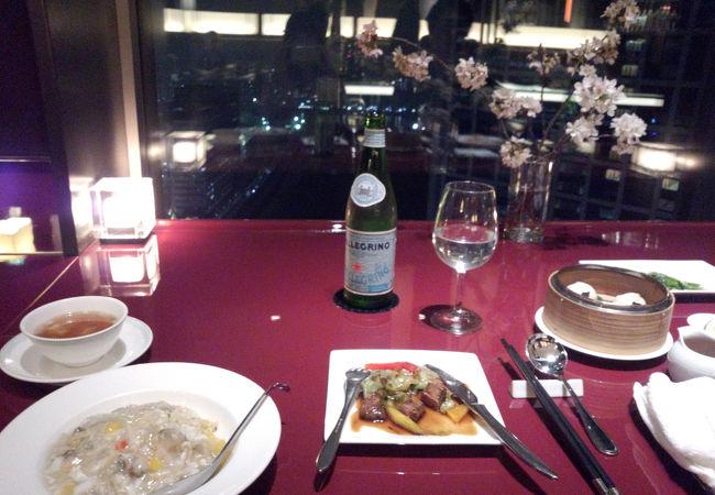 落ち着いた雰囲気で中国料理
