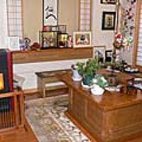 玄関脇の談話室