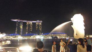 シンガポールに来たら、やっぱり寄りますよね