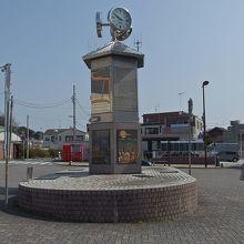六角堂を模した 時計塔