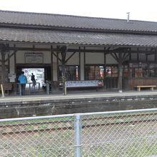 いにしえの伝統の駅舎です。