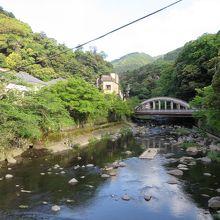 早川に架かる橋