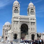 海側にあるサント・マリー・マジョール大聖堂