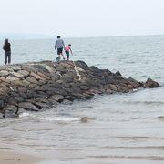 初夏の海岸は静かでした。夏には賑わいをみせるの??