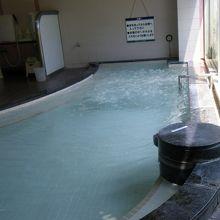 裸浴ゾーンの内風呂