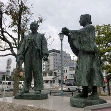 豊太閤と石田光成出会いの像