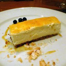 チーズケーキも繊細な味でした