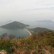 三豊市沖合の粟島の最高峰です。