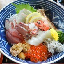 特上海鮮丼