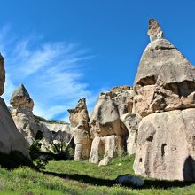 岩窟住居もたくさん残っている