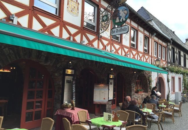 ドイツの雰囲気を楽しめるレストラン・DROSSELMULLER