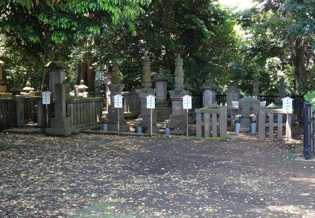 大岡家一族の墓