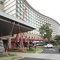 済州の海を気軽に散歩、ショッピングにも便利なリゾートホテル
