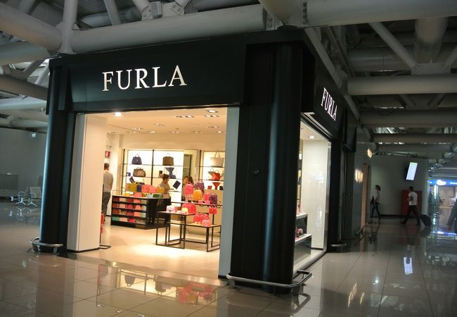 8e79f6c789fc フルラ (フィウミチーノ空港店) クチコミガイド【フォートラベル】|Furla (Fiumicino Aeroporto)|ローマ