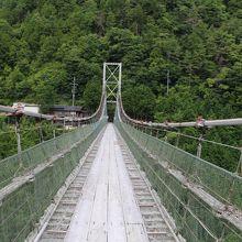 誰もいない吊橋が撮れた