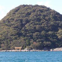 こんもりした島