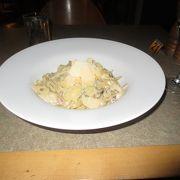 エアーズロック・リゾート内では、食事をセレクトするバリエーションが限られます