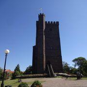 国境の町の城跡。