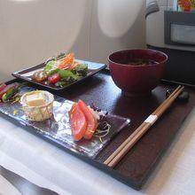 往路の機内食、前菜