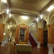 スメタナホールは入り口だけ…同じ館内の別な場所で室内楽を聞いた。