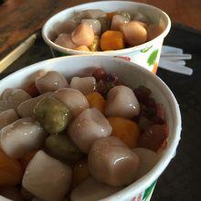 有名な阿柑姨芋圓で芋圓(イーユェン)をいただきます。