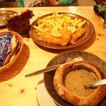 シュニッツェルなどのお料理も美味しかった!