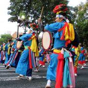 太鼓と踊りの激しいパフォーマンスが面白かったです!!