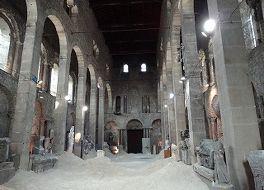 サン ピエール 教会 (考古学博物館)