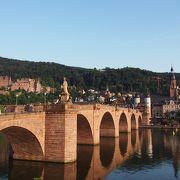街のシンボル的な橋