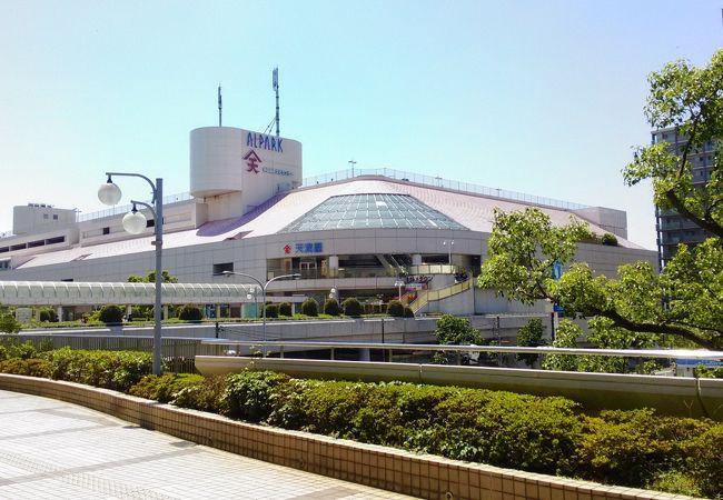 JR新井口駅に直結しています
