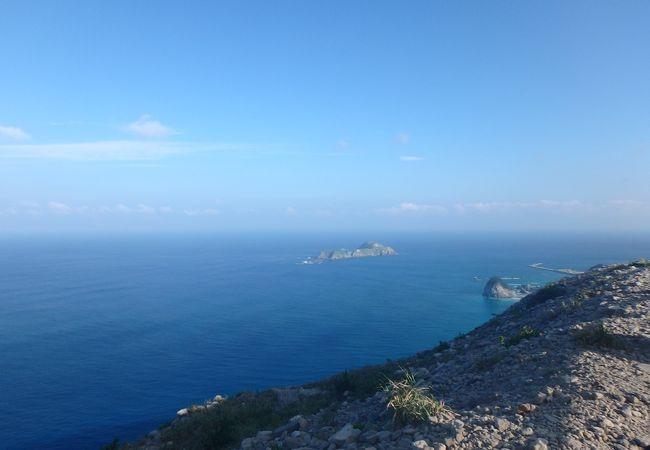 式根島も見えるとても素敵な展望台!