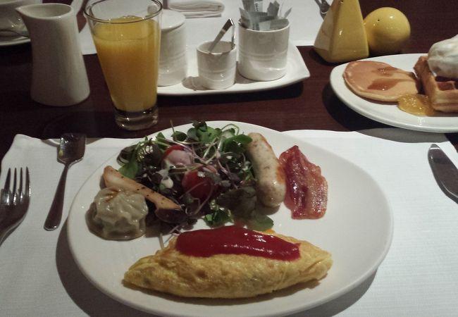 朝食ビュッフェで利用。メニュー多く楽しかった