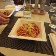 昼食時に食べたスパゲッティ