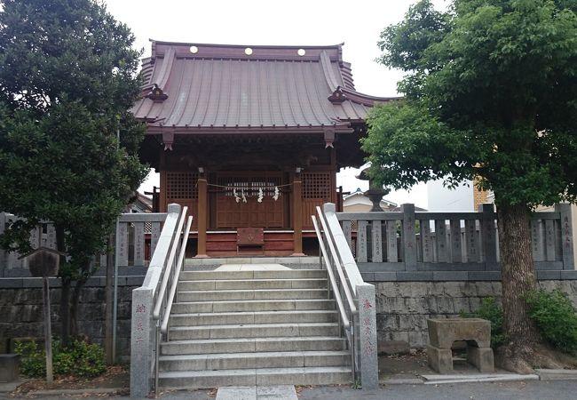 新川崎駅前の神社