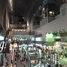 京都駅と一体化した駅ビル内デパート