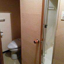 和室の手洗とバス