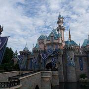 お城に入れます。