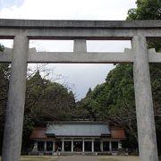 宮崎県護国神社でございます