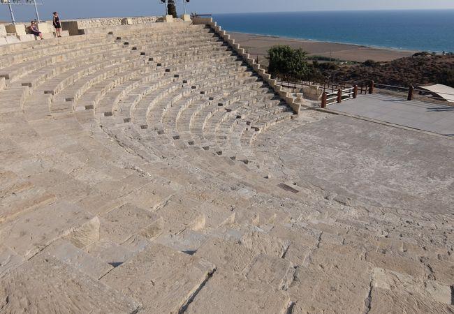 遺跡はもちろん、美しい地中海が見られます