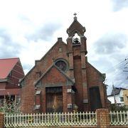 煉瓦造りの教会。