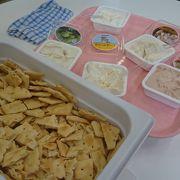 蔵王チーズの試食販売が人気