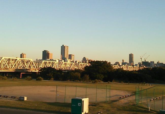 敷地内には野球が出来るスペースやサイクリングコース等があります