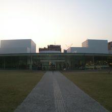 美術館の外観です。