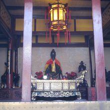 黄龍古寺の内部。