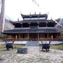 黄龍中寺正面。