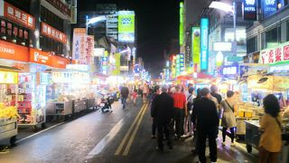 観光客向けの夜市