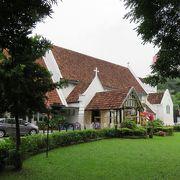 独立広場の側にある小さくて、可愛い教会です