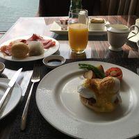ホライゾンクラブラウンジでの朝食
